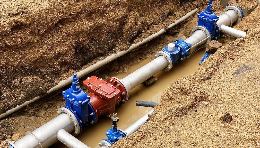 rury wodociągowe wwykopie